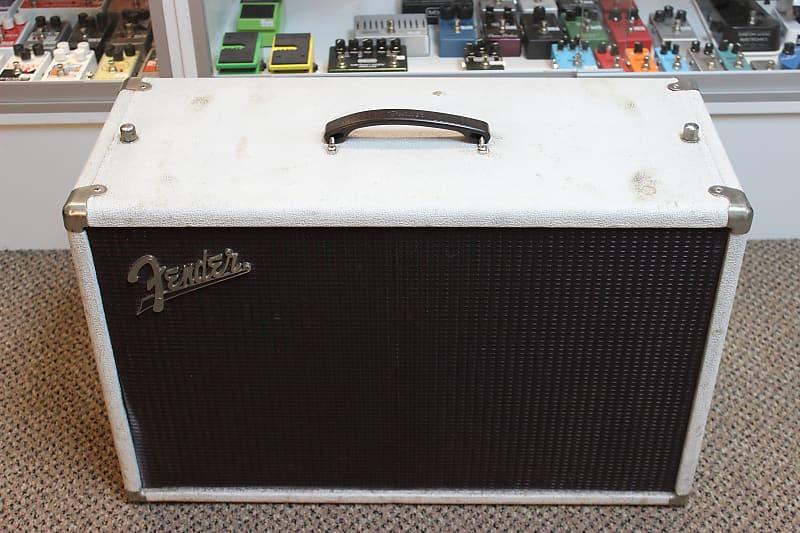 vintage Fender Tremolux 2x10 Cabinet | GuitarEffectsPedals