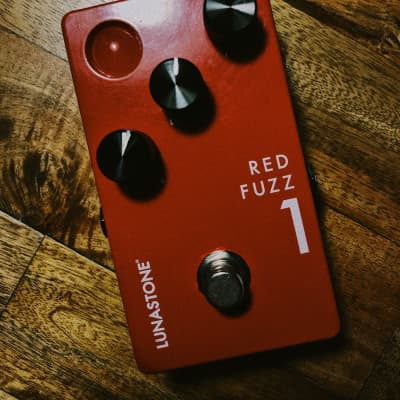Lunastone Fuzz Red for sale