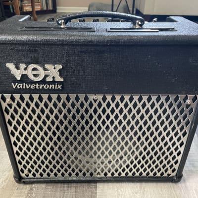 Vox Valvetronix AD30VT 30-Watt 1x10 Modeling Guitar Combo for sale