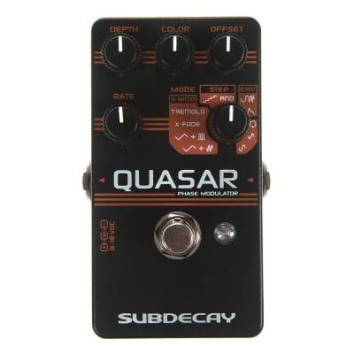 Subdecay Quasar Phase Modulator