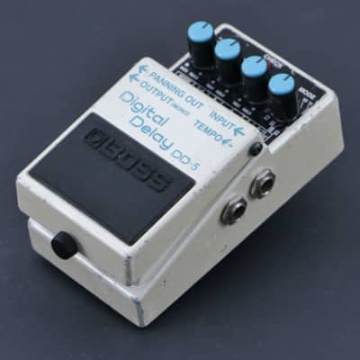 Boss DD-5 Digital Delay Guitar Effects Pedal P-06990 image