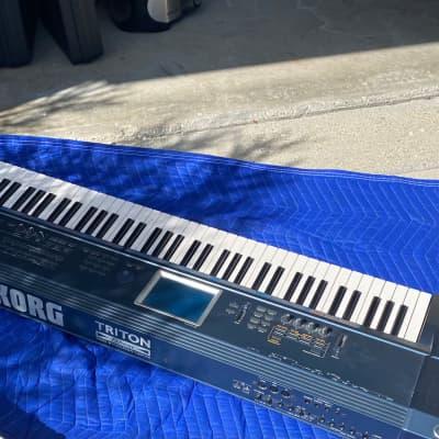 Korg  Triton Extreme 76 keyboard