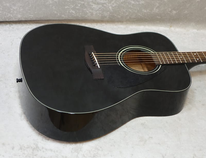 yamaha f335 acoustic guitar in black finish with hardshell reverb. Black Bedroom Furniture Sets. Home Design Ideas