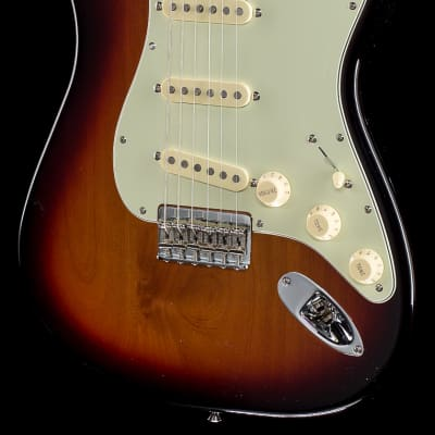 Fender Robert Cray Stratocaster® 3-Tone Sunburst, Rosewood (158) for sale