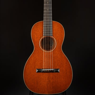 Collings Parlor 1 T Mahogany Top/Collings Traditional Handcrafted Case