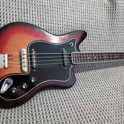 Musima de Luxe 25b 1970s 3 Tone Sunburst  Jaguar bass variation for sale