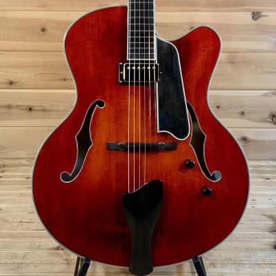 Eastman AR810CE Archtop Guitar - Classic Finish