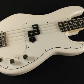 Fender Standard Precision Bass Rosewood Fingerboard Arctic White 3-Ply Parchment Pickguard 0146100580 (568) for sale