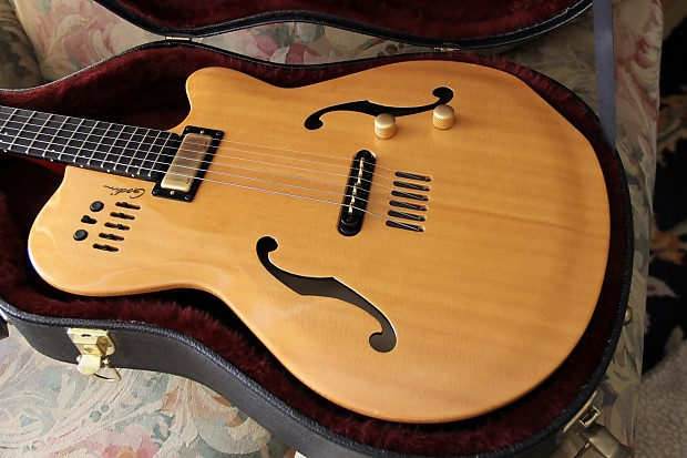 Godin Multiac Jazz SA 2008 Natural | Gear Hub NorthWest