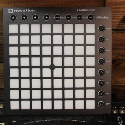 Novation Launch Pad MK2 - USB MIDI Controller for Ableton Live