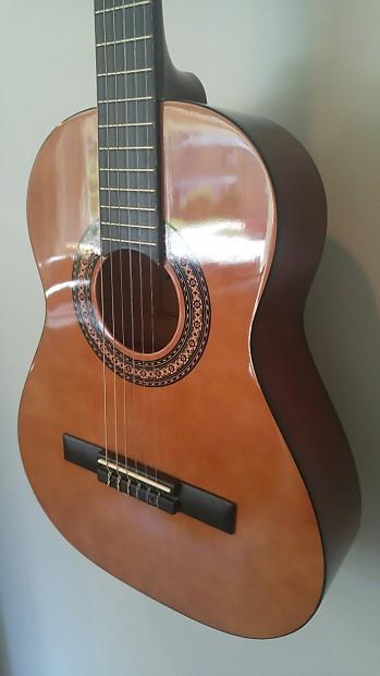 3 4 size nylon string guitar