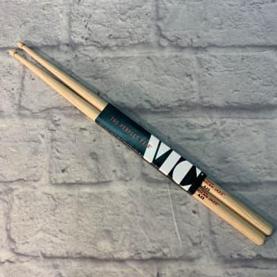 Vic Firth AJ2 American Jazz Drumsticks