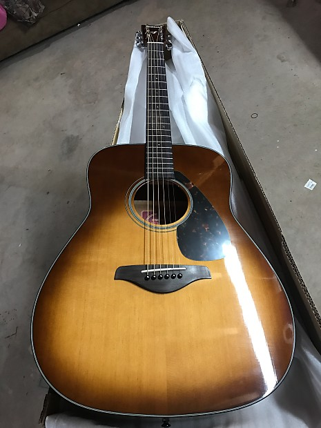 yamaha fg700s. Yamaha FG700S SDB Acoustic Fg700s