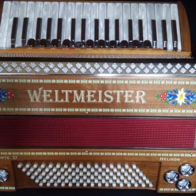 Weltmeister Monte 37 Piano Accordion wood grain