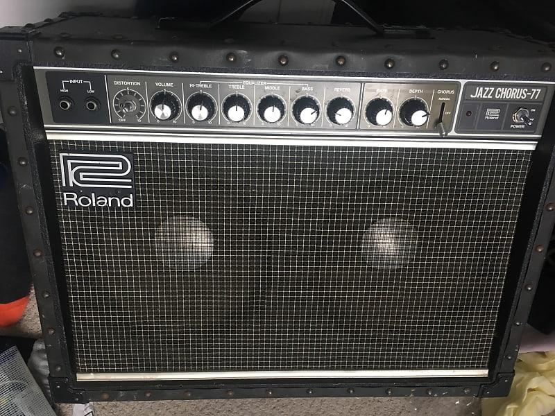 Roland Jazz Chorus JC-77 vintage amp, legendary clean sound