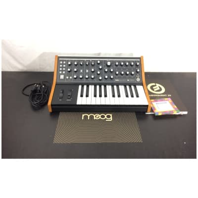 Moog LPS-SUB-007-01 Subsequent 25 compact analog synthesizer
