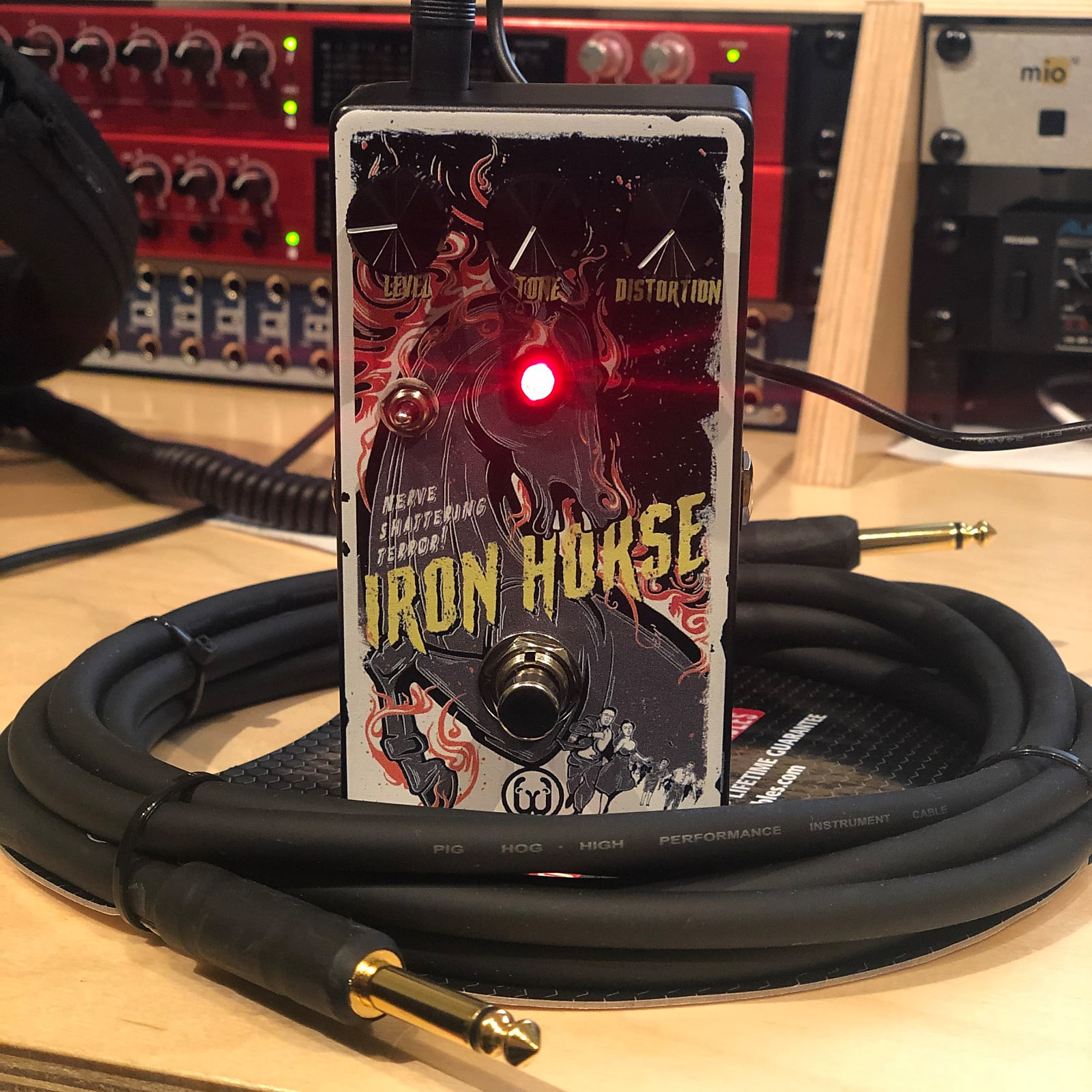 Walrus Audio Iron Horse Distortion V2 - Halloween 2019 Limited Edition, Free Poster