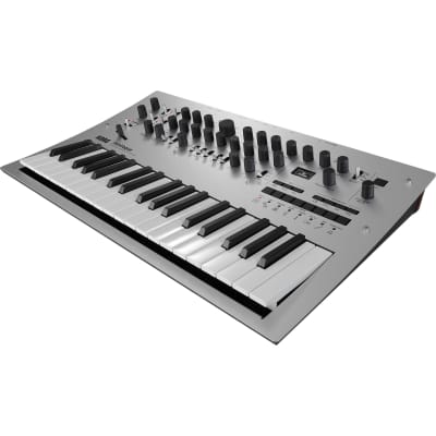 KORG	Minilogue 4-Voice Polyphonic Analog Synth with Presets 37 Key - Silver