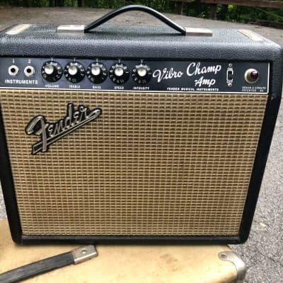 1966 Fender Vibro Champ 5-Watt Vintage Blackface Guitar Combo Amp
