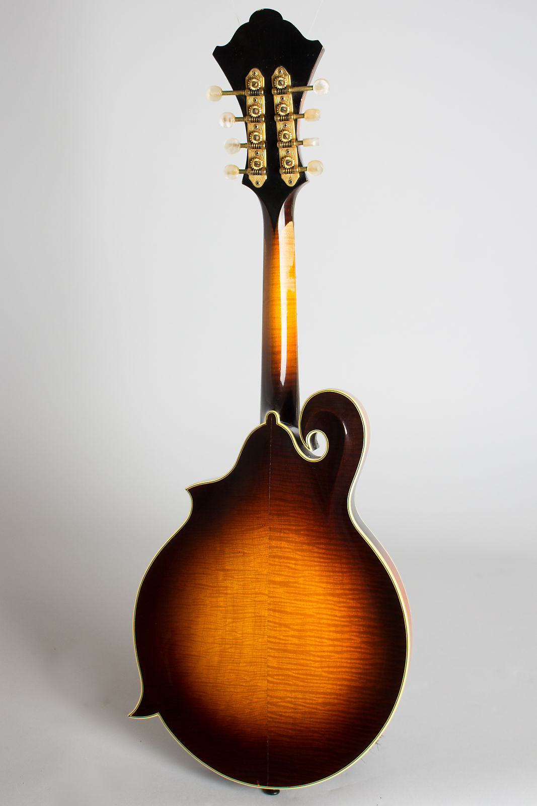 Monteleone  Grand Artist Carved Top Mandolin (1982), ser. #76, original black hard shell case.