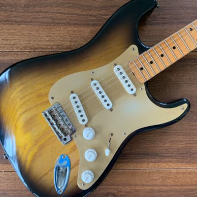 Rebelrelic Stratocaster  54-S Serie Bj. 2017 Sunburst, only 3,16kg! for sale