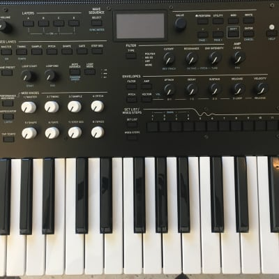 Korg  Wavestation Wave Sequencing Synthesizer