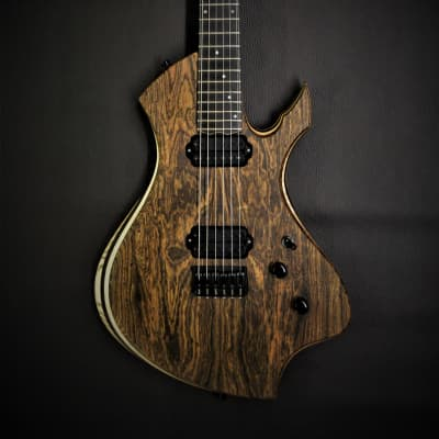 Oddities Guitars The Omen 2019