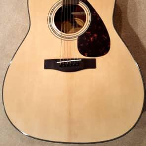 Yamaha F335 Dreadnought Acoustic Guitar Natural