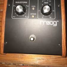 Moog FreqBox Black/Wood