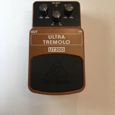 Behringer UT300 Ultra Tremolo Rare Guitar Effect Pedal