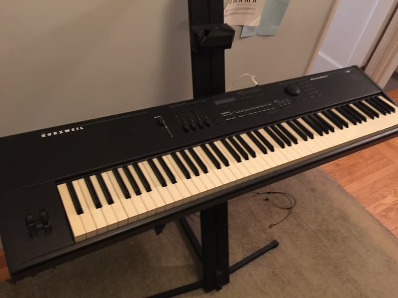 Kurzweil PC88 weighted 88-key MIDI controller with built-in samples and  2-tier stand