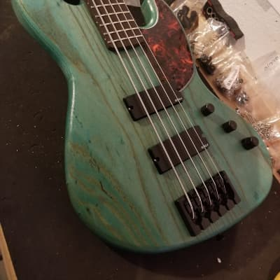 TW Basses R5 5-string bass (MAHOGANY) - customized by YOU! for sale