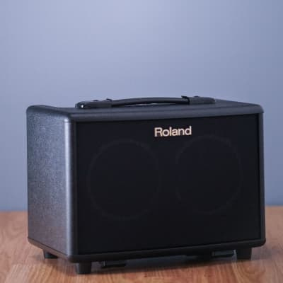 Roland AC-33  30w Battery Powered Portable Acoustic Amp