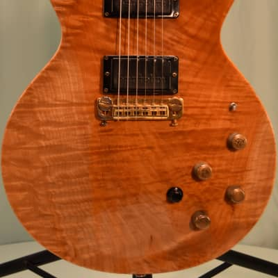 Moonstone Vulcan 1981 Natural Flame Maple (Stock #100) for sale