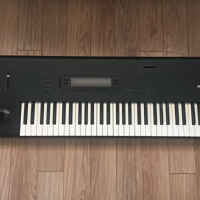 Korg M1 61-Key Synth Music Workstation Very Good