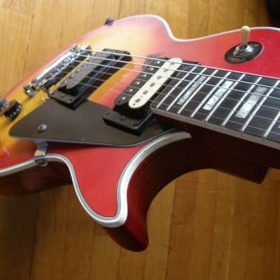 Global Singlecut Style, sunburst VINTAGE HOT CRUNCHY pickups, great player, amazing vibe, used for sale