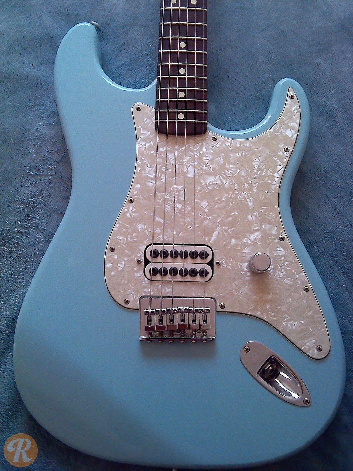 fender tom delonge stratocaster daphne blue 2002 reverb. Black Bedroom Furniture Sets. Home Design Ideas
