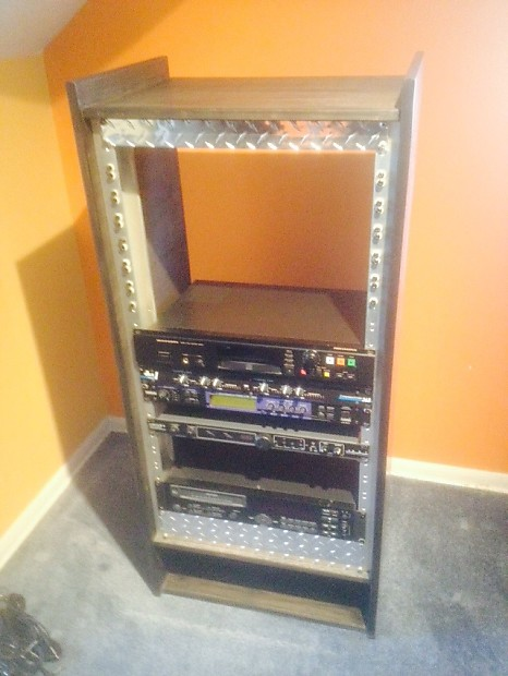 Custom 22 Space Audio Shelf | Savagewood Guitars