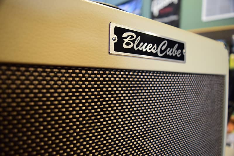 roland blues cube hot great small amp reverb. Black Bedroom Furniture Sets. Home Design Ideas
