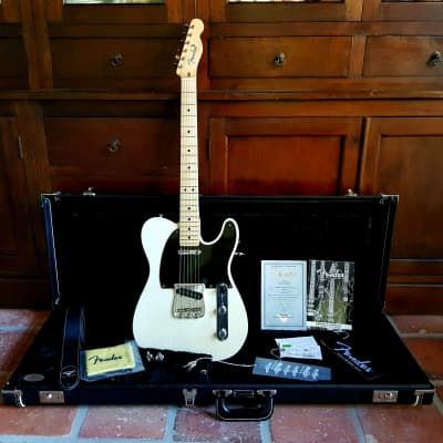 """2013 Fender Custom Shop Telecaster """"Pro Closet Classic"""". See-through body, case & candy included!!"""