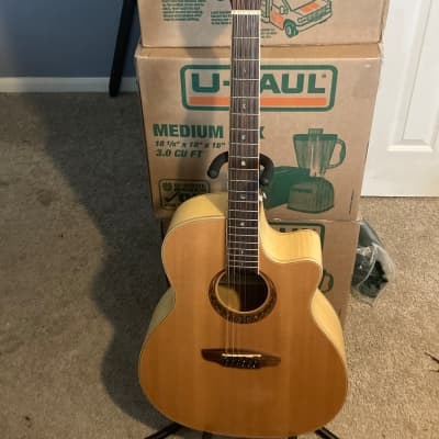 Luna Muse 12 string 2019 Solid spruce top