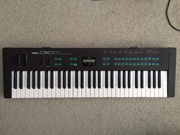 Yamaha DX27 61-Key Digital Programmable Algorithm Synthesizer