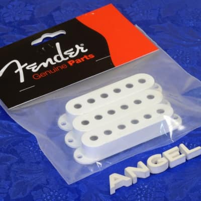 3 Genuine Fender White Stratocaster Strat Pickup Covers 0992034000 Free Shipping image