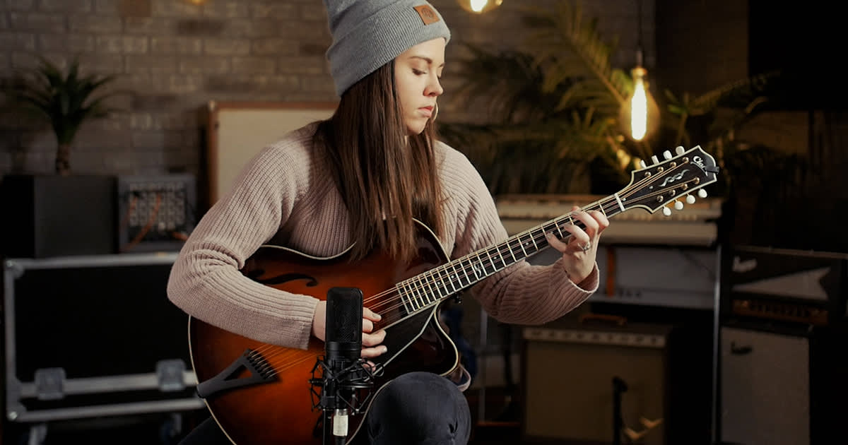 video sierra hull on split tuning a mandolin reverb news. Black Bedroom Furniture Sets. Home Design Ideas