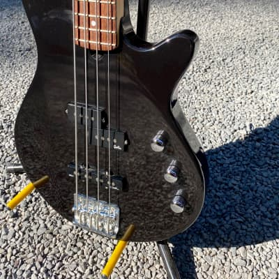 Godin Freeway 4 Str. Bass.  2018.  Sexy Black Pearl Finish.  Perfect Christmas Gift.  Plays easy. for sale