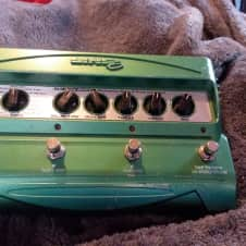 Line 6 DL4  Delay Looper Multi Effect Pedal
