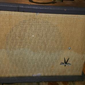 Silvertone Model 1433 15-Watt 1x15 Guitar Combo