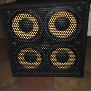 "Markbass MBL100043 Blackline Standard 104HR 200-Watt 4x10"" Bass Speaker Cabinet - 8 Ohm"