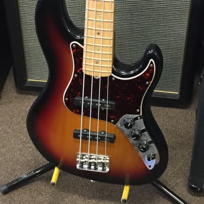 Fender American Deluxe Jazz Bass 2002 with Case for sale
