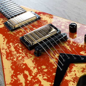 Dean Dave Mustaine VMNT Holy Grail with Chalice Red w/ Gold Leaf